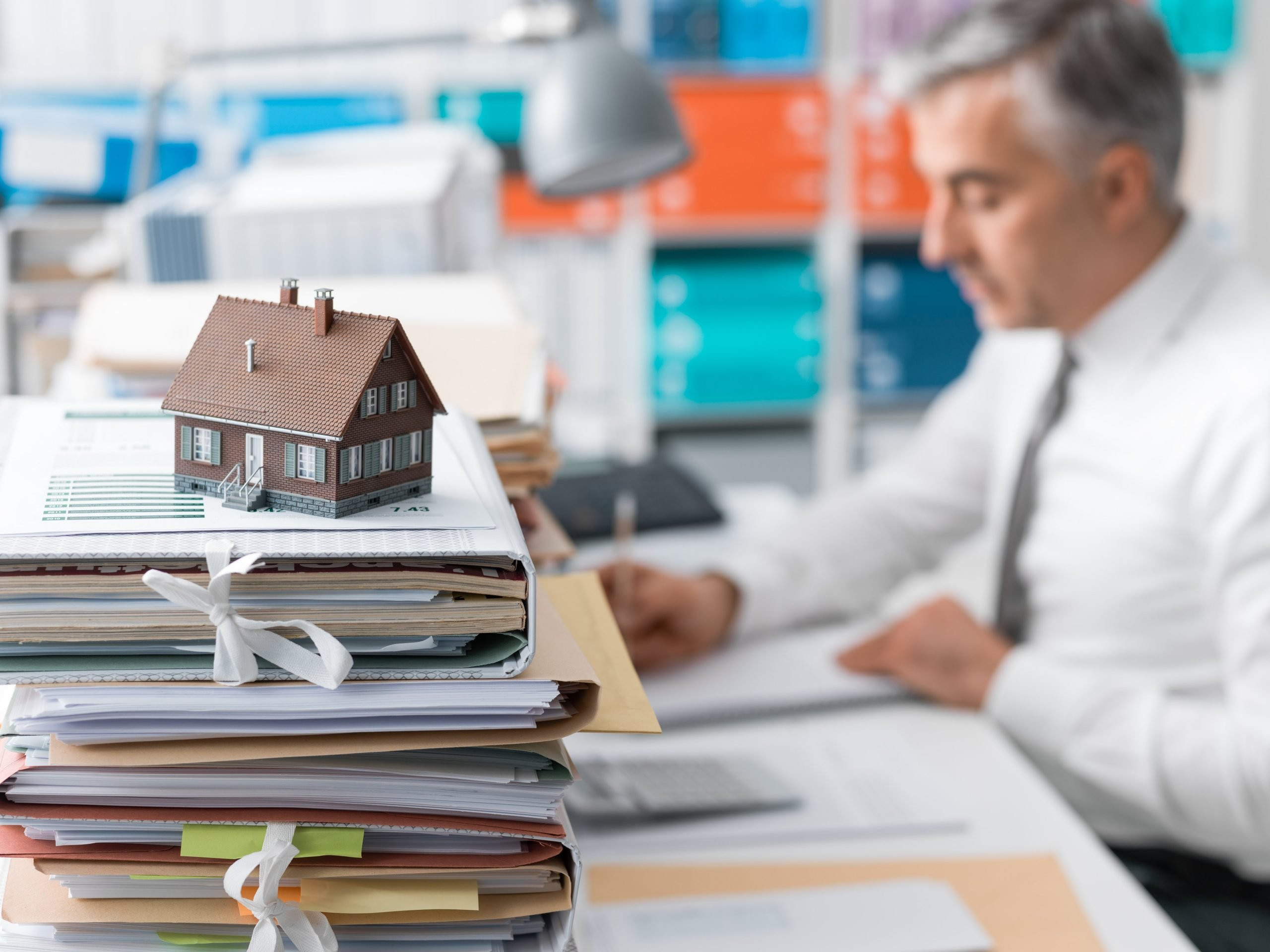 What's the difference between a Quit Claim Deed and a General Warranty Deed? Real estate investing lesson for beginners.